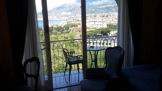 Grand Hotel Capodimonte: balcony