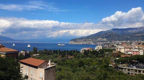Grand Hotel Capodimonte: roof top view