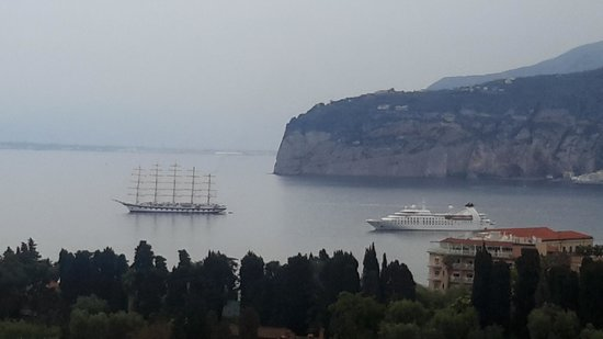 Grand Hotel Capodimonte: sail boat watching from our room