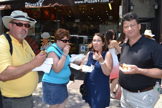 Manhattan Walking Tour : Good Eats in Hell's Kitchen