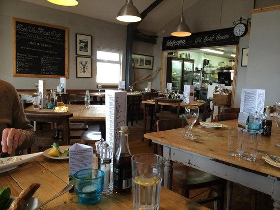 The Old Boat House: 5.30 on a Wednesday evening is the time to come as we had the place to ourselves - you can see t