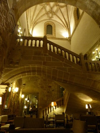 Parador de Plasencia: inside the bar area