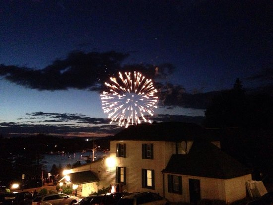 Knights Inn - Huntsville : Fireworks on Canada day!! What a perfect view!!