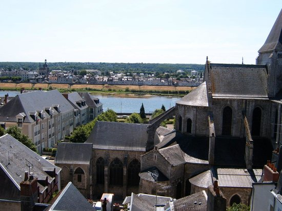 Holiday Inn Blois Centre : A view over the city from the Chateau of Blois