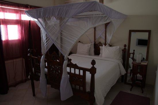 Stone Town Cafe and Bed & Breakfast: Room
