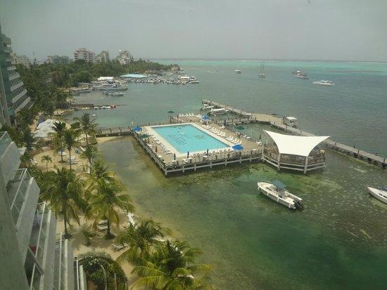GHL Relax Hotel Sunrise: vista da piscina, mar do Caribe
