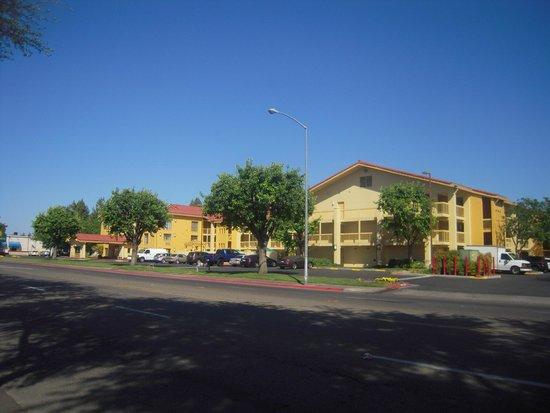 La Quinta Inn Fresno Yosemite: L' hôtel
