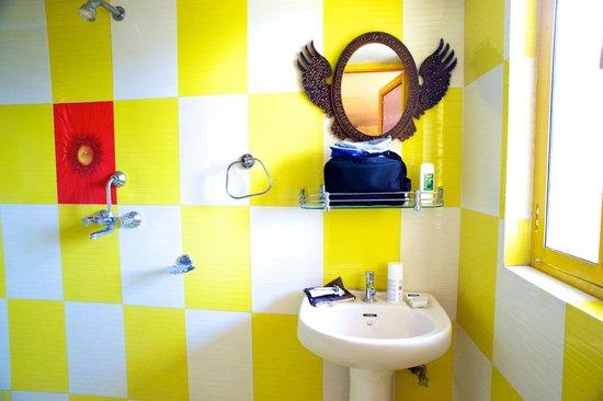 Govind Hotel: Penthouse suite bathroom