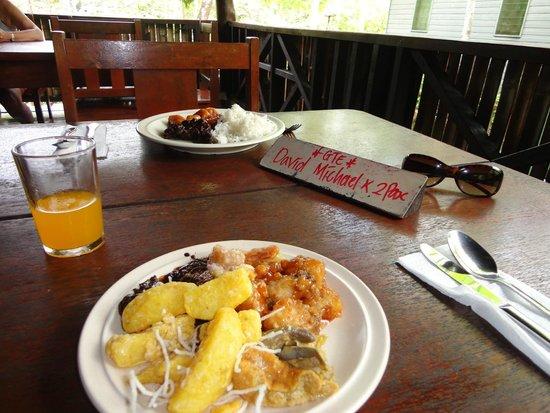 Bilit Rainforest Lodge: Restaurant