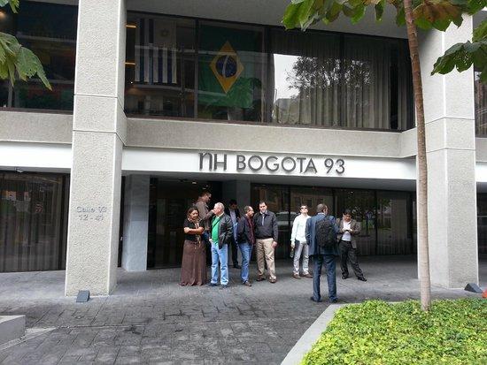 Atton Bogota 93: Puerta