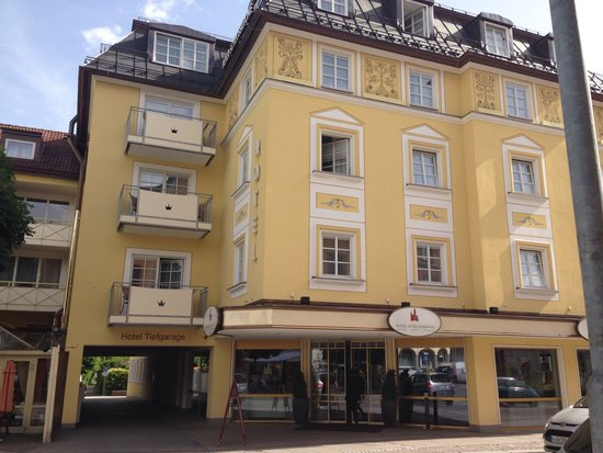 Hotel Schlosskrone : Hotel front