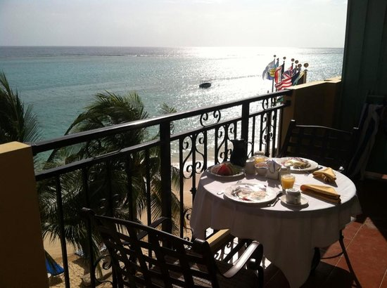 Jewel Dunn's River Beach Resort & Spa, Ocho Rios,Curio Collection by Hilton: Breakfast on our balcony