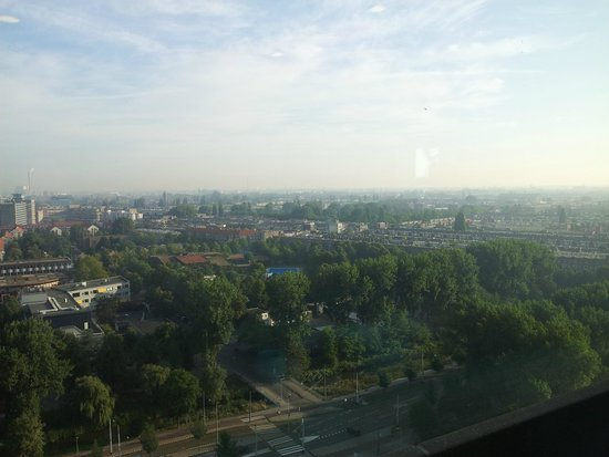 Ramada Apollo Amsterdam Centre : 17th Floor Breakfast View