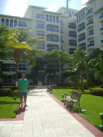 Occidental Costa Cancun: jardin del hotel