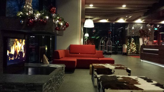 Ramada Apollo Amsterdam Centre : Hotel Lobby Christmas Decorations