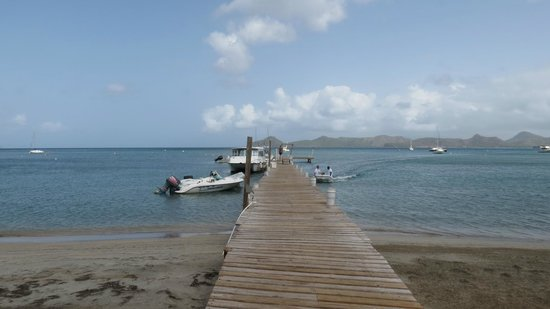 Oualie Beach Resort : The jetty