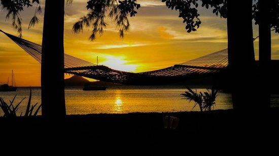 Oualie Beach Resort: Oualie Sunset
