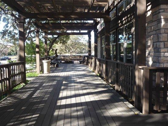 Drury Inn & Suites San Antonio North Stone Oak: Outdoor patio