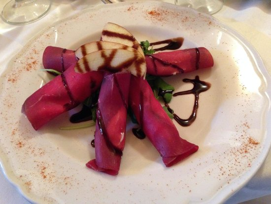 Trattoria Toscana : Bresaola with goat cheese