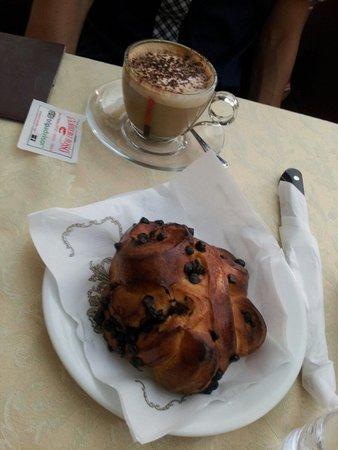 Ceraldi Caffe': Fagottino al cioccolato