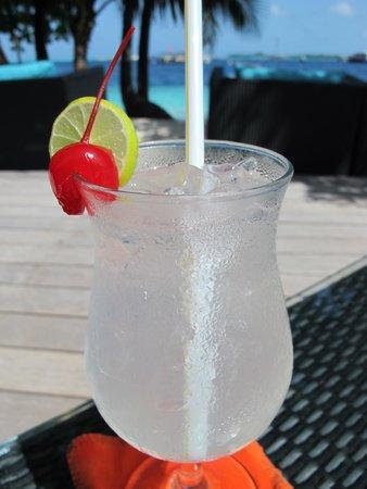 Vilamendhoo Island Resort & Spa : Gin Fizz - my favourite cocktail!
