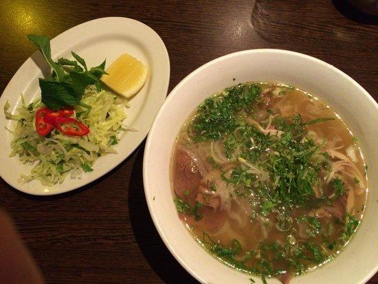 Sen Viet: Beef & Chicken Pho