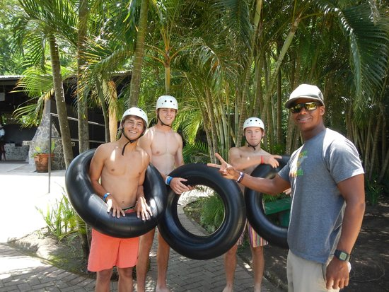 Get Lost In Costa Rica : Waterslide instruction from Don.