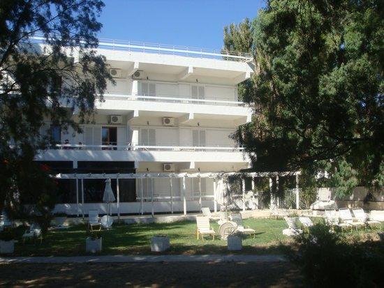 Hotel Elman : Hotel vanaf strand gezien