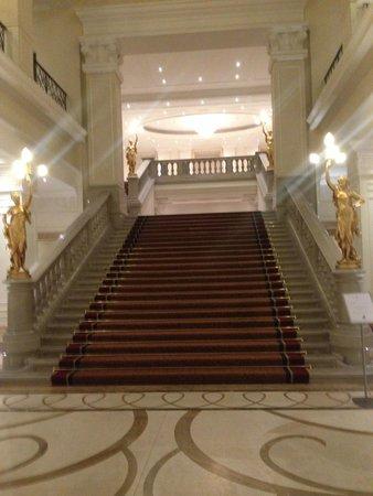 Corinthia Hotel Budapest: scala