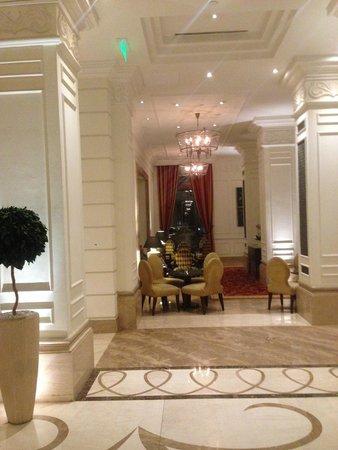 Corinthia Hotel Budapest: bar