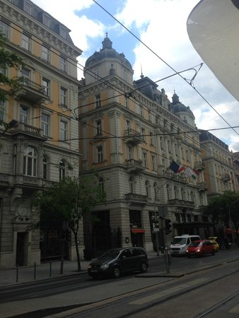 Corinthia Hotel Budapest: esterno giorno