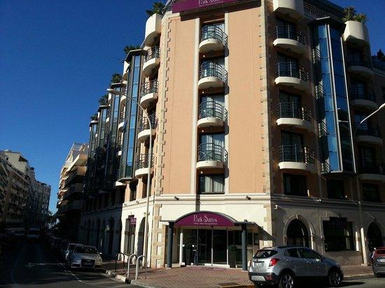 Clarion Suites Cannes Croisette: Façade