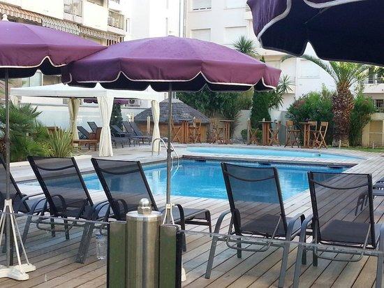 Clarion Suites Cannes Croisette : Piscine