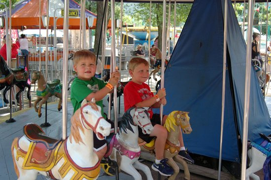 DelGrosso's Amusement Park: The two youngest.