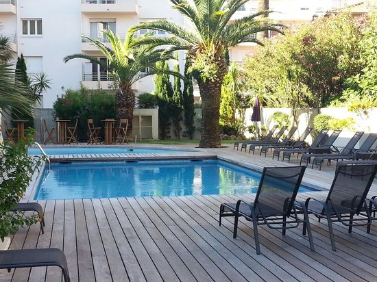 Clarion Suites Cannes Croisette: Piscine