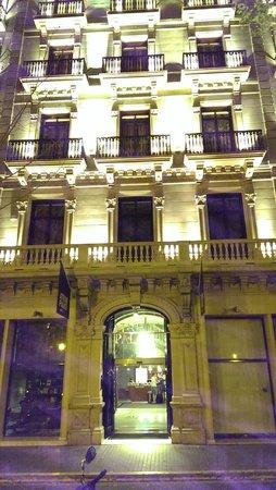 Hotel Acta Atrium Palace: nighttime view