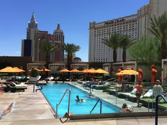 Pool from cabana picture of mandarin oriental las vegas for Nspi pool show vegas