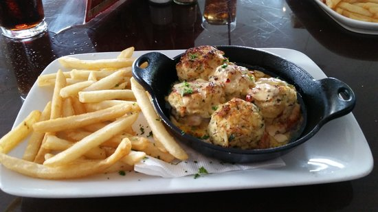 Harry's Seafood Bar and Grille : Seafood stuffed shrimp