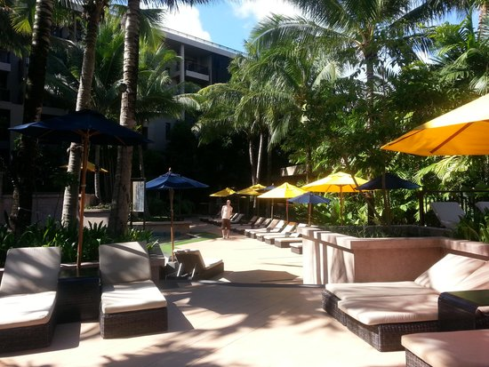 Novotel Phuket Kata Avista Resort and Spa: by the pool