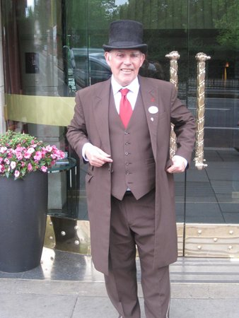 The Athenaeum Hotel & Residences: Doorman and staff all very friendly and competent