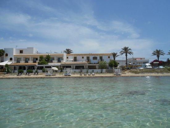 Hostal La Savina: Hostel from the water