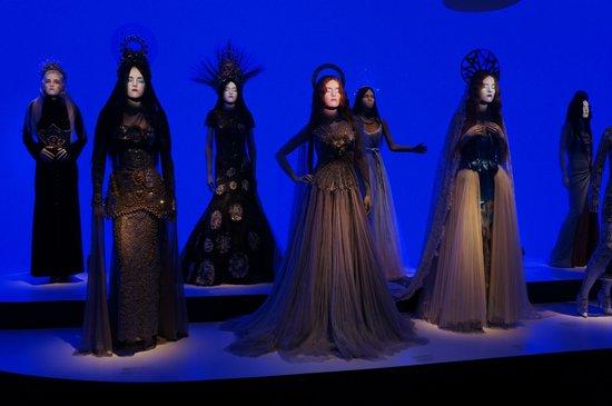 Moderna Museet - Stockholm: Ну и - Жан- Поль Готье... Потрясающая выставка..