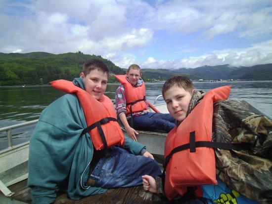 Harborview Inn & RV Park : On our own crabbing