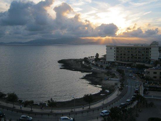 BQ Apolo Hotel : Balcony view sunset