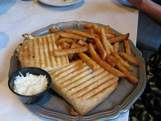 Saloon : panini with chicken