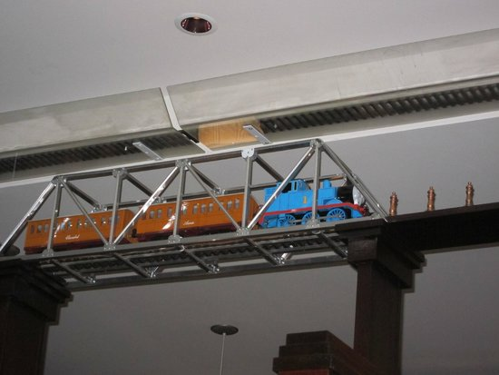 Saloon : trains running along the ceiling