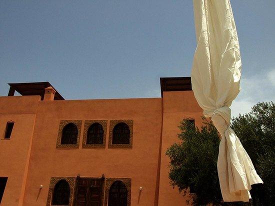Riad Couleur Sable : Façade riad côté jardin
