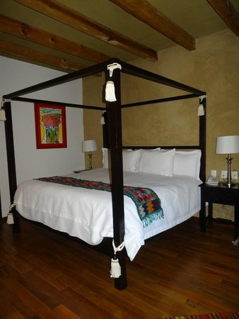 Guayaba Inn: Our comfortable and nice bed