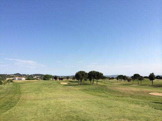 Golf Par3 - Pitch & Putt Barcelona - La Garriga: Hoyo 1