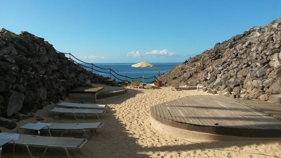 Hesperia Lanzarote: Even a small private beach to discover.